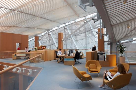 Büros im Gehry-Building