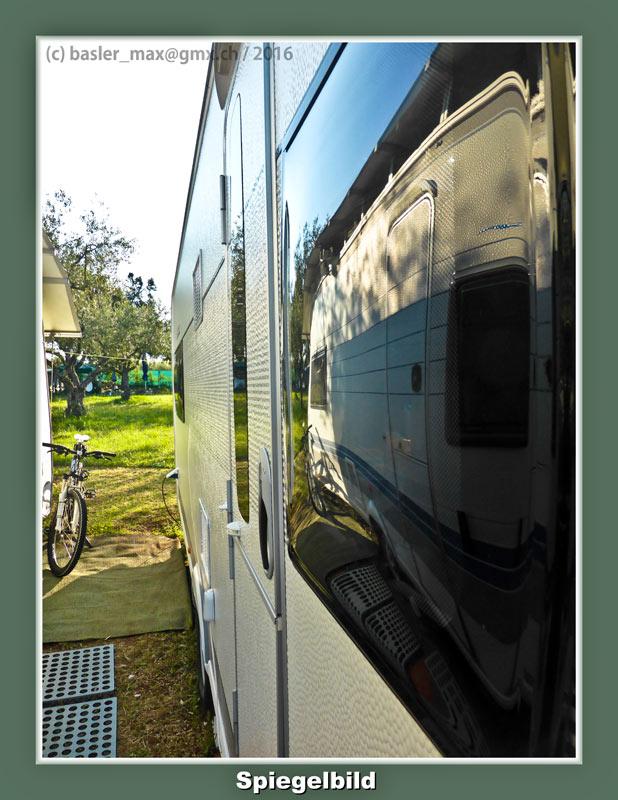 Mai 2016: Spiegelbilder Fenster Wohnwagen