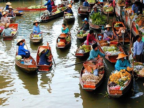 Floating-Market in Thailand