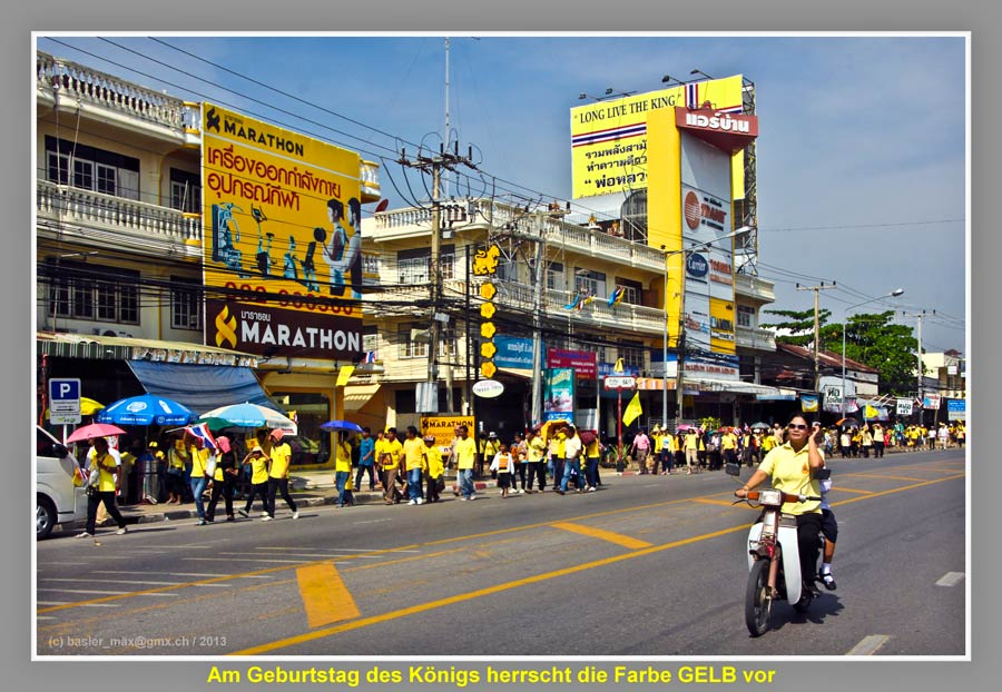 Hua-Hin: 5. Dez. Geburtstag des König Bhumibol: gelbe Farbe