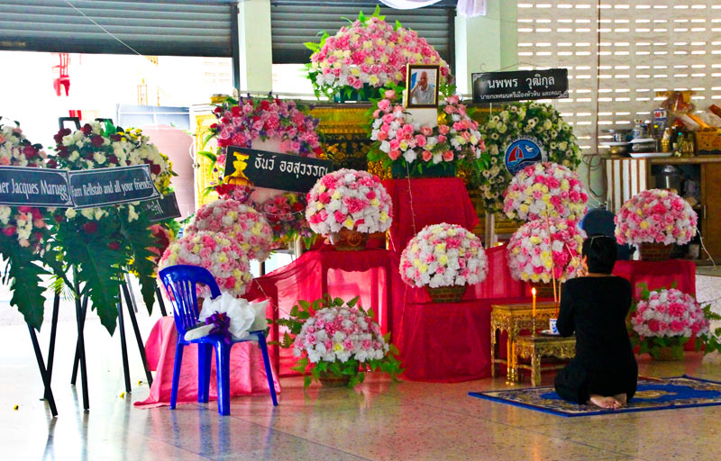Hua-Hin - Kremation - Funeral ceremony René Marugg